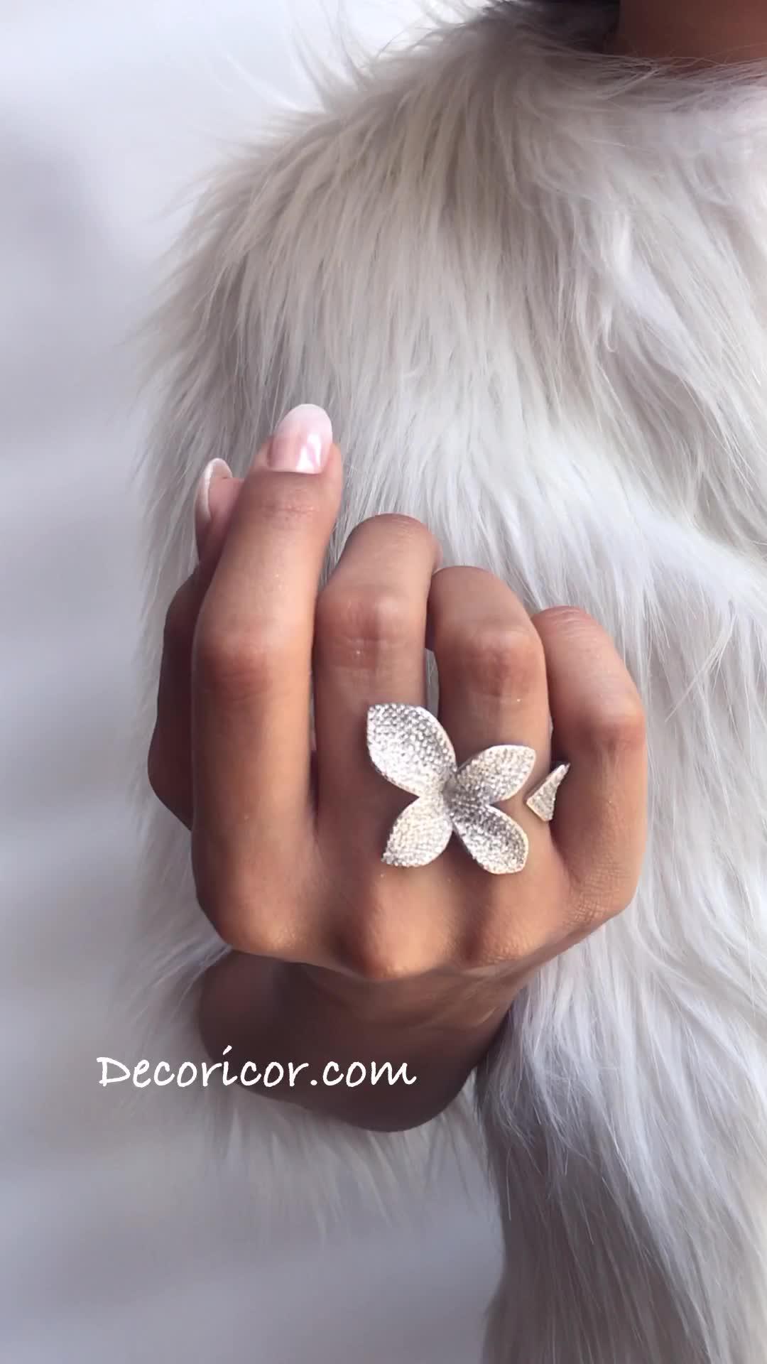 انگشترهای فری سایز برگ تمام نگین طرح برند لوکس Pasquale Bruni
