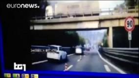 سقوط یک پل در ایتالیا بر روی جاده ای شلوغ