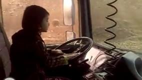 رانندگی دختر 8 ساله در جاده های ایران با تریلی 18 چرخ