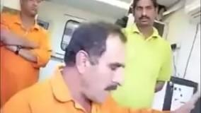 انگلیسی حرف زدن یک ایرانی با کارگر هندی :))