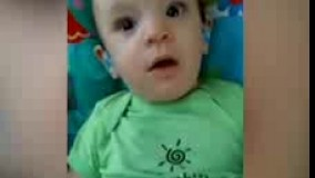 عکس العمل نوزادی که قادر به شنیدن نبود و توسط سمعک شنوا شده است