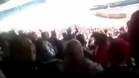 شعار خلیج عربی در ورزشگاه آزادی !  برخی هواداران پانترکیست تیم تراکتورسازی