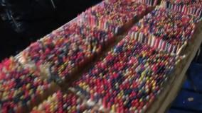 مردی که با خاموش کردن ۷۲ هزار شمع روی کیک تولد خود، نامش را در گینس به ثبت رساند.