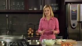 آشپزی با آنا اولسون-6  روش کاراملیدن پیاز (ساختن شیره کاراملی از پیاز)