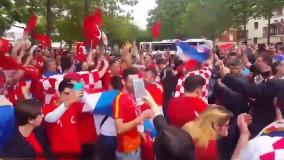 جشن هماهنگ هواداران ترکیه و کراوسی