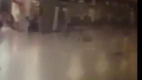 لحظه شلیک پلیس به یکی از بمب گذاران فرودگاه آتاتورک - ترکیه