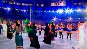 زنان عربستانی در رژه المپیک با لباس سنتی این کشور
