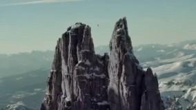 راه رفتن روی طنابی به طول 51 متر در ارتفاع ۲۷۴۳ متری از سطح زمین