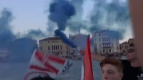 اعتراض ونیزی ها به عبور کشتی های تفریحی از کانالهای شهر