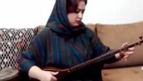 سه تار نوازی دختر هنرمند ایرانی