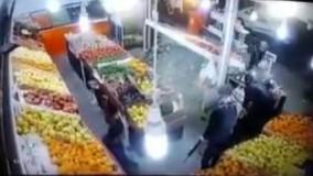 """""""سرقت  با تفنگ  ژ3 در میوه فروشی شیراز فرهنگ شهر دیگه پول پیدا نمیکنن بجاش پسته و پرتقال میبرن????"""""""