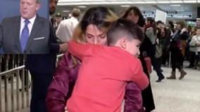 ویدیو/پسر بچه ۵ ساله ایرانی تبار به دلایل امنیتی در آمریکا بازداشت و دست بند زده شد!