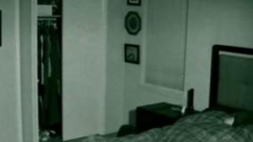 این مرد ادعا میکند که در خانهاش اشیا جابجا میشوند. ویدئوی ضبط شده باورکردنی نیست