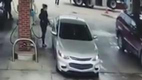 اینم یه جور دزدی تو پمپ بنزین