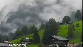 آرامش یعنی این یک روز بارونی زیبا در طبیعت رویایی گریندلوالد سوییس