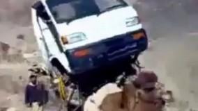 #عجايب   قاچاق خودرو با شتر،چه وزني رو داره تحمل ميكنه شتر!!!!