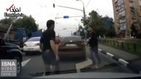 فیلم/ درگیری رانندههای بیاعصاب در خیابان!