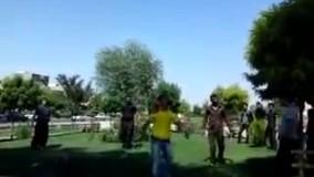 درگیری و دستگیری اوباش قمه کش توسط مامور در پارك