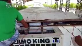 کشف سیگار قاچاق از تریلر یخچالدار توسط ماموران گمرک