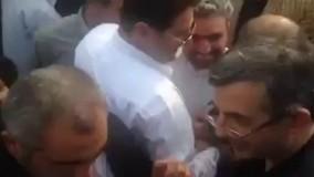 احمدی نژاد و رحیم مشایی در میان دسته ای هوادار در چابکسر 1396/04/15