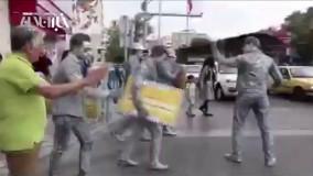 تلاش رضا کیانیان در خیابانهای تهران برای اصلاح رفتارهای ترافیکی