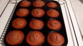 طرز تهیه کیک یزدی در قالب های کوچک درفر