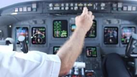 فیلم پرواز کامل CRJ-700 از کابین خلبان