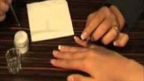 آموزش کاشت ناخن مربوط به پکیچ آموزش طراحی و کاشت ناخن پرشین