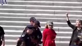 بازداشت جین فوندا، ستاره هالیوود جلوی کنگره آمریکا