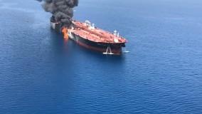 فیلم از نفتکش حادثه دیده در دریای عمان/ واقعیت چیست؟