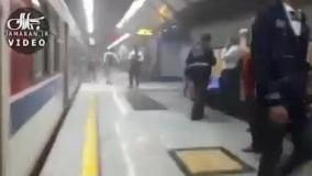آتش سوری در ایستگاه متروی شهید مدنی تهران/جماران