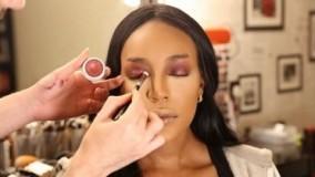فیلم آموزش آرایش کامل صورت با پوست تیره + میکاپ چشم