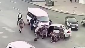 عملیات پلیس برای دستگیری متهم در وسط ترافیک
