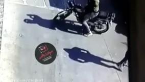 فیلم لحظه سرقت خونسردانه در روز روشن در تهران