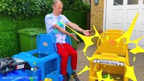 مکس و کتی  ؛  بازی مکس و کتی با ماشین های برقی - کتی و مکس