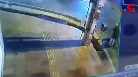 رگ جوان گلستانی را به خاطر موبایل زدند + فیلم لحظه درگیری