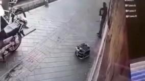 دو دقیقه رعب آور در هنگام سرقت طلافروشی