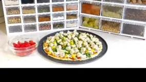 پیتزا خونگی با مواد دم دستی