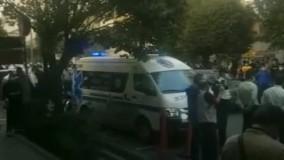حضور مردم جلوی بیمارستان جم