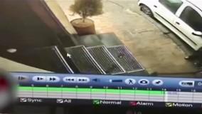 فیلمی از سرقت وحشیانه طلا در فرمانیه تهران ! بیچاره مرد جوان