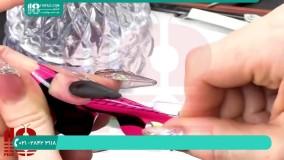 استفاده از چسب مخصوص در دیزاین ناخن مشکی