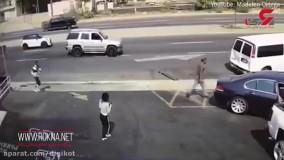 لحظه وحشتناک تصادف BMW با یک زن