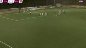 اتفاقی نادر در لحظه حساس یک مسابقه فوتبال !
