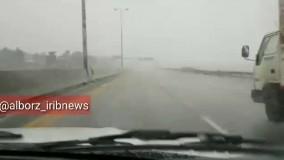 بارش برف و باران در آزادراه کرج- قزوین