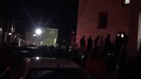 سیامند رحمان درگذشت، مردم در مقابل بیمارستان