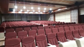 صندلی آمفی تئاتر در سینما چوب