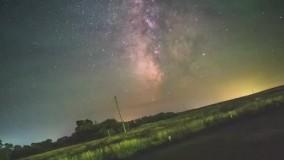 گردش زیبای کره زمین از عدسی یک دوربین
