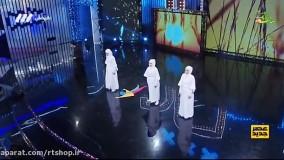 حرکات نمایشی با شمشیر توسط رضا پورتیمور همراه با گروه