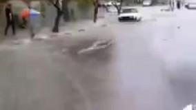 آب گرفتگی معابر تهران در پی باراش باران
