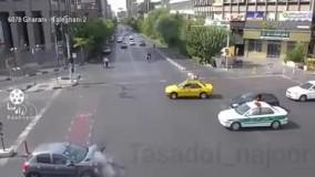 لحظه تصادف پژو ۲۰۶ و خودروی دنا